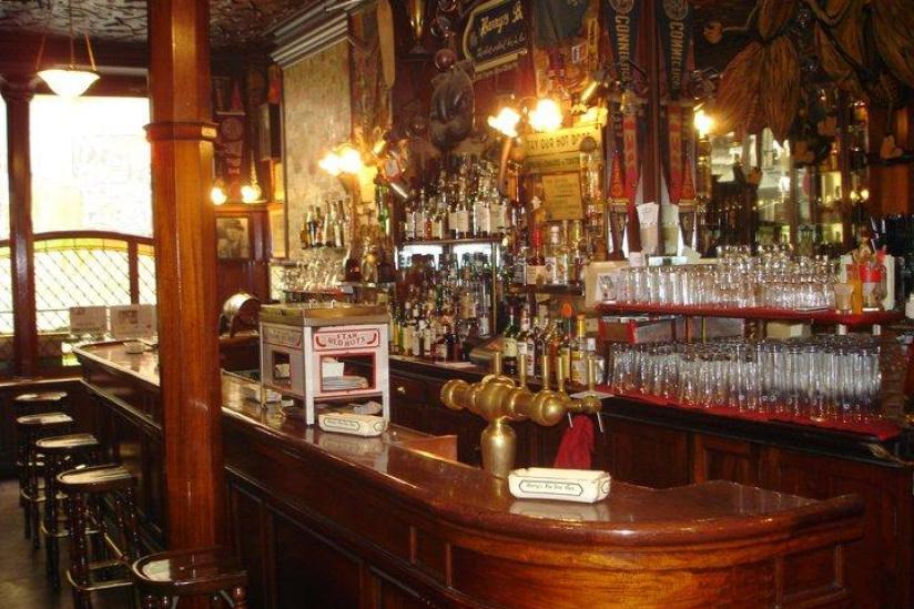 Se détendre dans les bars cachés de New York